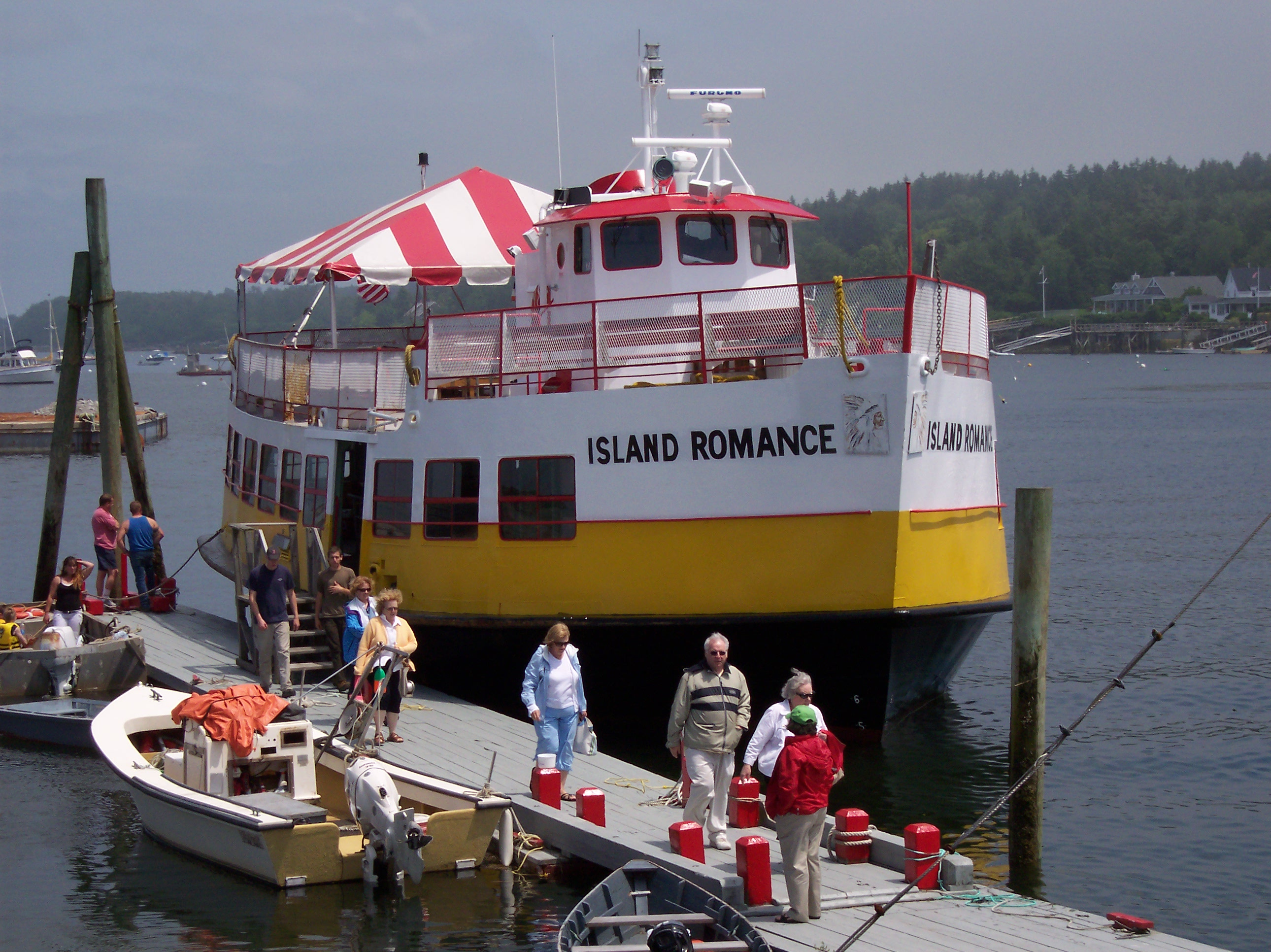 Maine ocean river lake tours and charters maine mid for Best time to visit maine for lobster